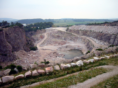 Looking into Kemnay Quarry