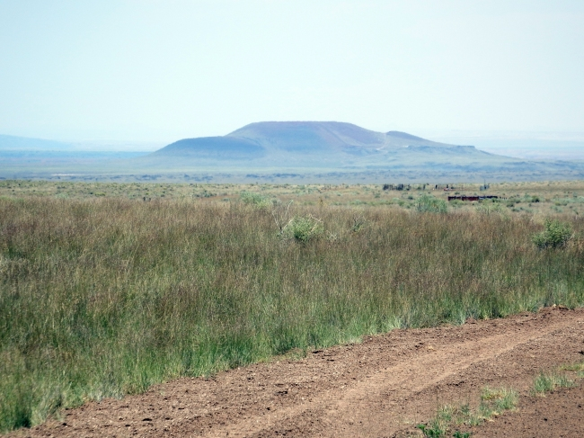 Roden Crater seen from near Leuppe
